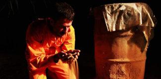«Και τα αγόρια κλαίνε» για 6 μοναδικές παραστάσεις στο θέατρο Μπέλλος