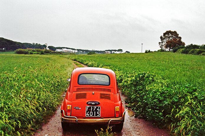 Ομαδική Έκθεση Φωτογραφίας με τίτλο «Red» στη Blank Wall Gallery