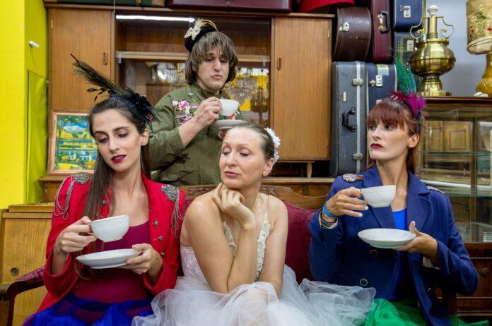 η «Λυσσασμένη μπαλαρίνα» του Grigory Konstantinopolsky στο Studio Μαυρομιχάλη.